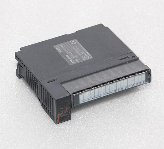 三菱控制器 Q68ADV